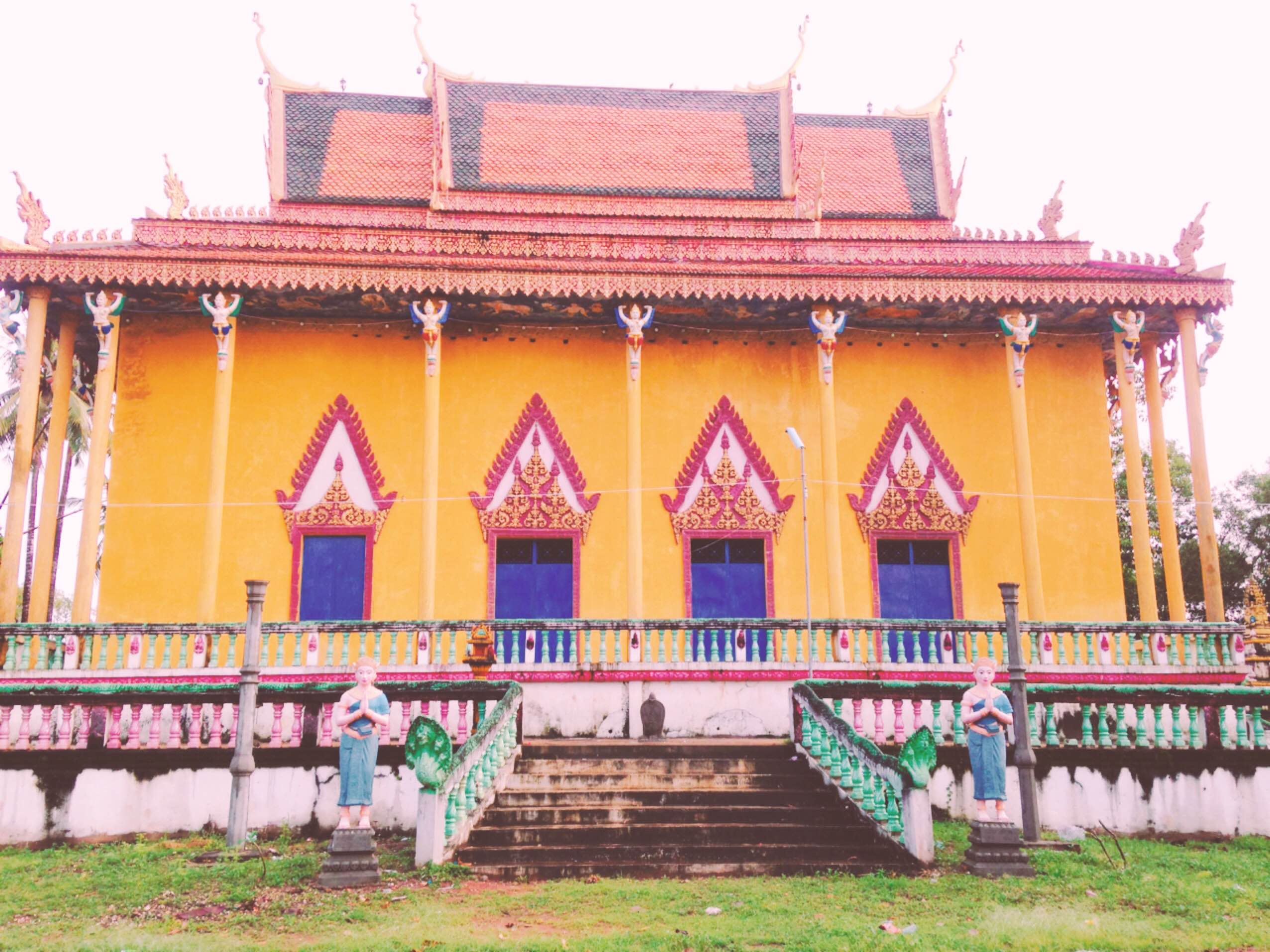 【NyoNyumインターン日記㉔】これがカンボジアのプチュンバン~お寺編~