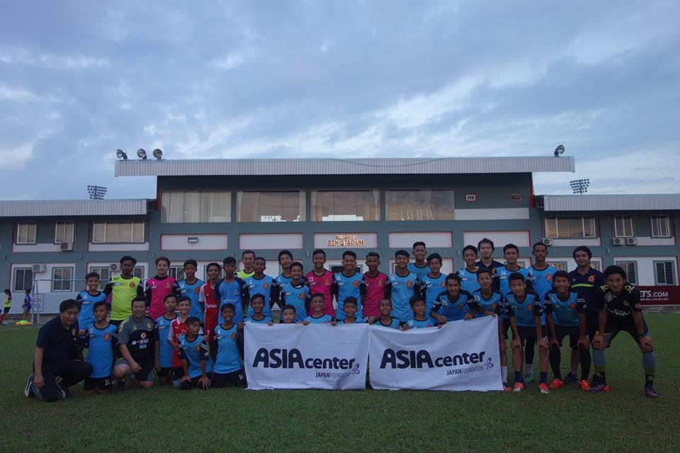 (日本語) Jリーグ・ギラヴァンツ北九州がプノンペンでサッカークリニック開催