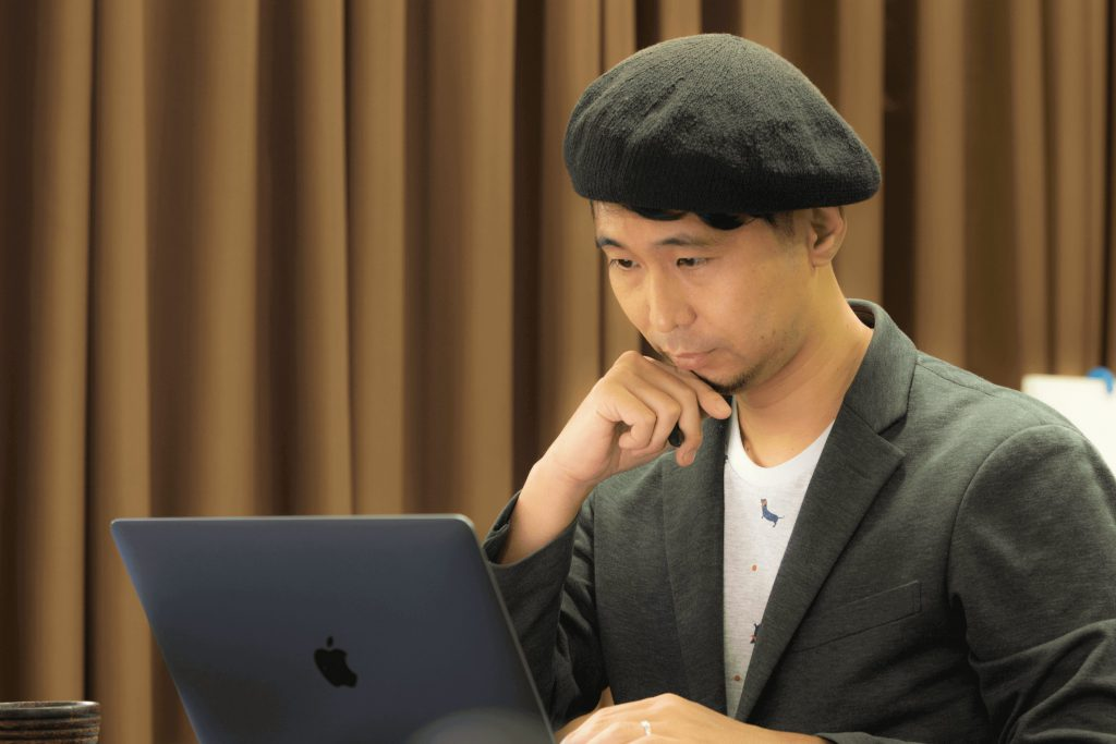 (日本語) カンボジアだからできることを。アート・デザインで社会問題を解決する【SocialCompass代表 中村英誉さん】