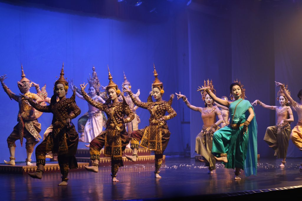 (日本語) 波乱のストーリー展開も見どころ!「The Royal Ballet of Cambodia」を鑑賞してきました【インターン日記シーズン3②】