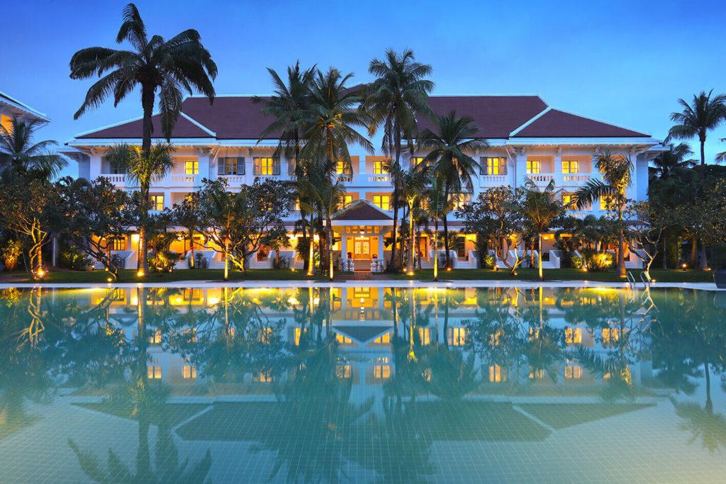 (日本語) 10/1 Raffles Grand Hotel d'Angkor がリニューアルオープン!