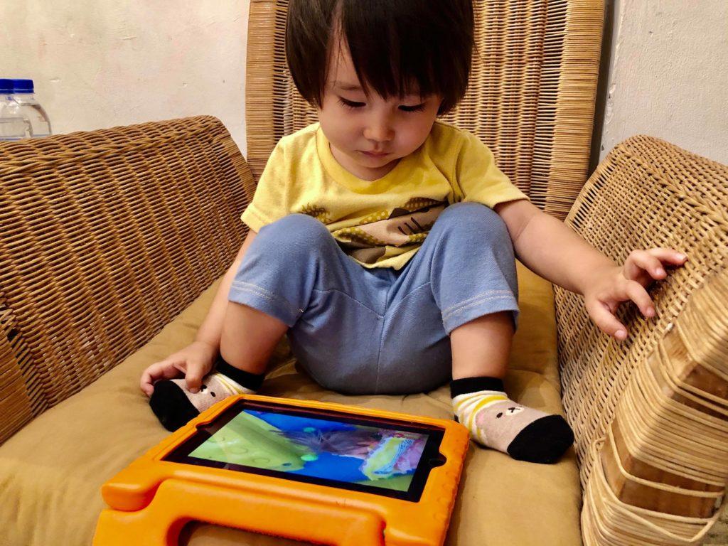 (日本語) 【旅育!!ノマド家族。】息子はデジタルネイティブ世代!?