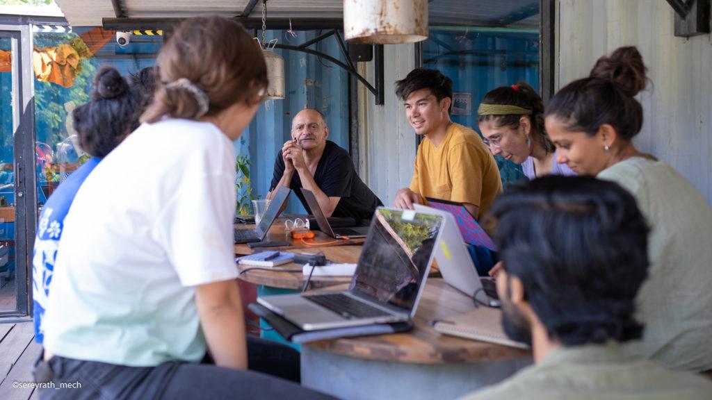 (ភាសាខ្មែរ) Angkor Photo Festival & Workshop រៀបចំបើកអោយចុះឈ្មោះសម្រាប់អ្នកចង់ដកស្រង់បទពិសោធន៍ក្នុងការថតរូបហើយ!